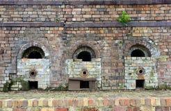 Rangée de vieux fours à briques photo stock