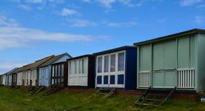 Rangée de vue arrière de huttes de plage Images stock