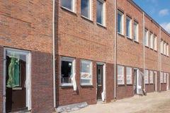 Rangée des maisons presque accomplies à la Haye aux Pays-Bas image stock