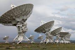 Rangée des radiotélescopes VLA images libres de droits