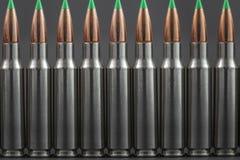 Rangée des ronds ballistiques de fusil d'astuce Image stock