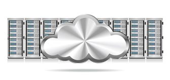 Rangée des serveurs de réseau avec le nuage illustration stock