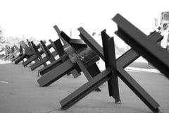 Rangée tchèque de hérissons - la défense de réservoir Photographie stock libre de droits