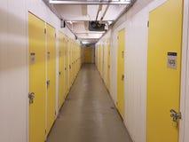 Rangées des casiers de stockage Photographie stock libre de droits