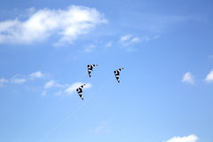 Rangées des cerfs-volants de vol Images libres de droits