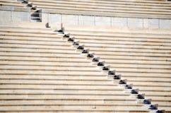 Rangées des sièges en pierre Photo stock