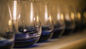Rangées des verres Photographie stock libre de droits