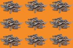 Rangées horizontales des tas des têtes ou du peu interchangeables différentes pour le tournevis manuel pour le travail du bois et images libres de droits