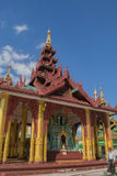 Rangún, Myanmar, el 10 de noviembre de 2014 - interior Shwedagon Imagenes de archivo