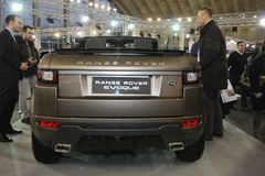 Range Rover på den Belgrade Car Show Royaltyfria Foton