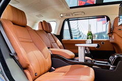 Range Rover Wheelbase autobiografii czerni 2015 Długiego testa Prowadnikowy dzień Obrazy Stock