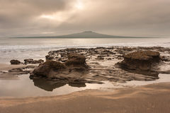 Rangitoto island from Takapuna beach Stock Photography