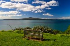Rangitoto wyspa i Hauraki zatoka od Devonport, Auckland, Nowa Zelandia Fotografia Royalty Free