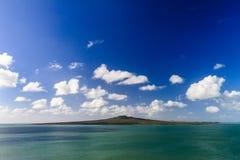 Rangitotoeiland en Hauraki-Golf van Devonport, Auckland, Nieuw Zeeland stock afbeeldingen