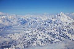 Rango de montaña de Himalaya de un avión Imagen de archivo