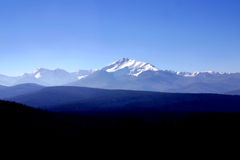 Rango de montaña rocosa Imágenes de archivo libres de regalías
