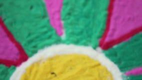 Rangoli - ινδικό παραδοσιακό ζωηρόχρωμο σχέδιο, έννοιες φεστιβάλ απόθεμα βίντεο