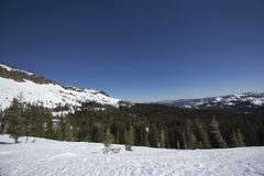 Rangos de la nieve de Sierra Nevada fotos de archivo libres de regalías