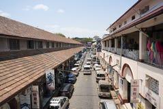 RANGUN, MYANMAR - 25. APRIL: Zentrale Straße von Rangun Stockbilder
