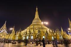RANGUN, MYANMAR, am 25. Dezember 2017: Shwedagon-Pagode in Rangun nachts Lizenzfreie Stockfotos