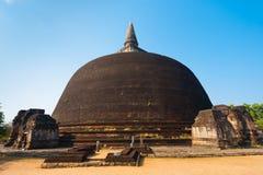 Rankoth Vehera Stupa Achter Boeddhistische Polonnaruwa royalty-vrije stock afbeeldingen
