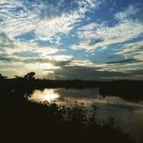 Ranku piękno widzieć w niebie i rzece zdjęcie royalty free