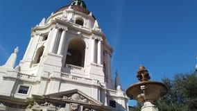 Ranku ruchu pogodny widok piękny Pasadena urząd miasta przy Los Angeles, Kalifornia zbiory wideo