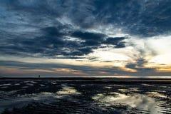 Ranku słońca światło w morzu Zdjęcie Royalty Free