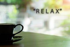 ranku sformułowanie i kawa jesteśmy & x22; relax& x22; fotografia stock