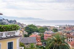 Ranku widok od above chmurny dzień w Santa Margherita Ligure morzu i mieście Fotografia Stock
