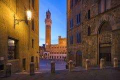 Ranku zmierzch i złoci światła w Tuscany Obrazy Stock