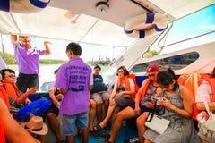RANONG, TAILANDIA - 20 DE SEPTIEMBRE: Viaje no identificado del viajero Imagen de archivo libre de regalías