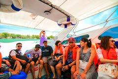 RANONG, TAILANDIA - 20 DE SEPTIEMBRE: Viaje no identificado del viajero Imágenes de archivo libres de regalías