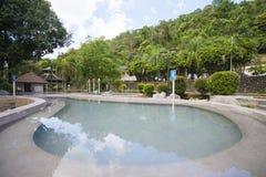 RANONG, TAILANDIA - 23 GENNAIO 2016: La sorgente di acqua calda di Raksa Warin è Immagini Stock Libere da Diritti