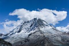 Ranrapalca в Андах Стоковое Изображение RF