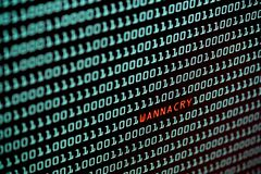 Ransomware of Wannacry-tekst en binaire codeconcept van des Royalty-vrije Stock Afbeeldingen