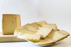 Rantsoen van kaas Stock Afbeeldingen