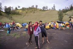 Ranu Kumbolo avec des amis en décembre Image stock