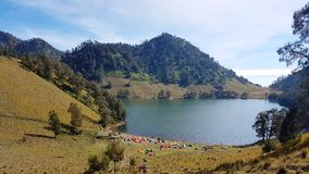 Ranu Kumbolo jezioro Zdjęcie Stock