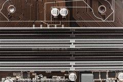 Ranuras de la memoria en el ordenador Mainboard Foto de archivo