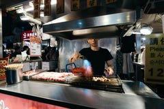 Raohe nocy Uliczny rynek, Taipei, Tajwan Zdjęcie Royalty Free