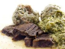 Raost Rindfleisch mit Brotmehlklößen Lizenzfreies Stockbild