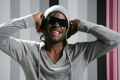Rap joven del hombre negro del afroamericano Fotos de archivo