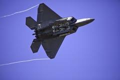 Rapace F-22 durante il volo Fotografia Stock Libera da Diritti