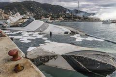 Rapallo Italië November/5/2018 - Rampzalig resultaat van een krachtig onweer dat op de nacht van 29 Oktober in de haven van voork stock afbeeldingen