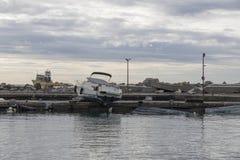 Rapallo Italien November/5/2018 - katastrofalt resultat av en kraftig storm som uppstod på natten av Oktober 29 i hamnen av royaltyfri fotografi
