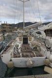 Rapallo Italien November/5/2018 - katastrofalt resultat av en kraftig storm som uppstod på natten av Oktober 29 i hamnen av fotografering för bildbyråer