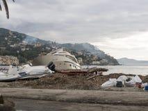 Rapallo Italien November/5/2018 - verhängnisvolles Ergebnis eines starken Sturms, deren in der Nacht vom 29. Oktober in Hafen auf lizenzfreies stockbild