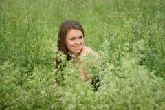 Rapariga ao ar livre com composição macia. Fotos de Stock Royalty Free
