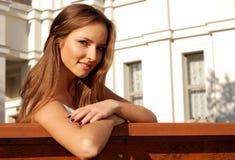 Rapariga bonita ao ar livre no verão Imagens de Stock Royalty Free